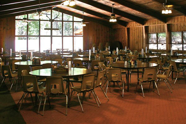 Redwood Dining at Tonto Rim